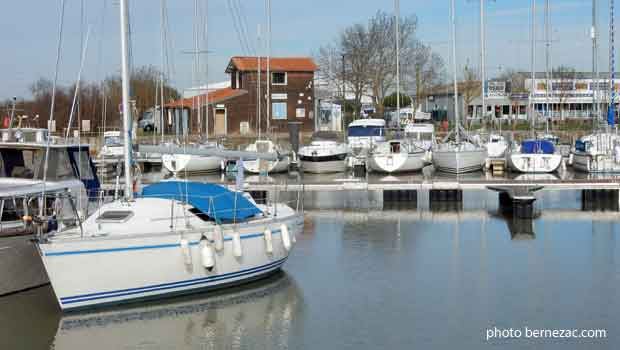 Meschers, port de plaisance