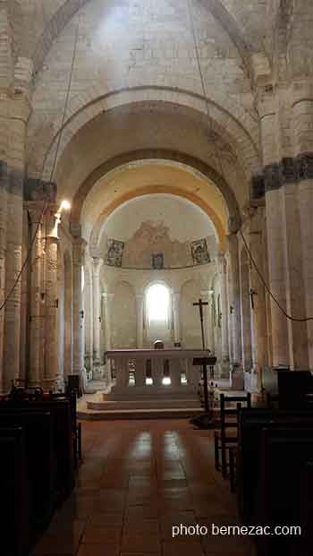 Mornac eglise saint-pierre, interieur