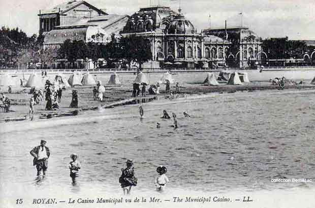 Royan carte postale ancienne, lle Casino Municipal vu de la mer